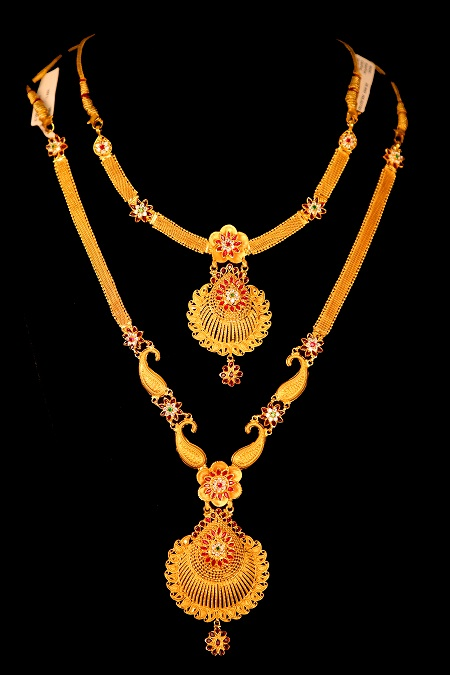 Kchinnadurai: View our entire collection of necklaces jewellery for women at our online store today.